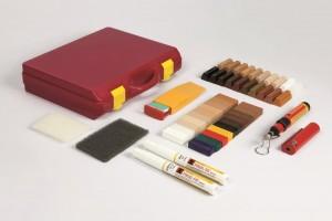 WOSK-kpl. akcesorii - czerwona walizka